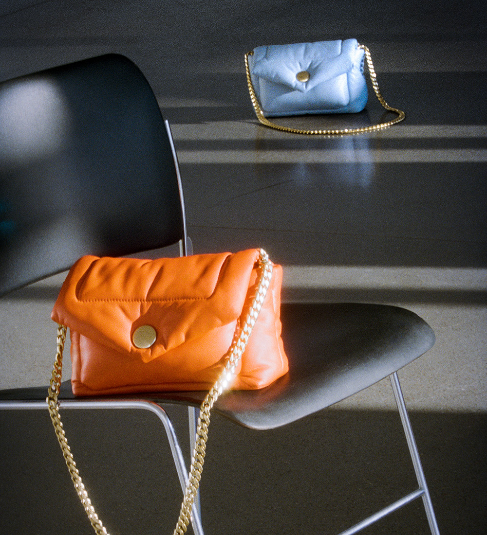 image of the harris bag in orange and blue